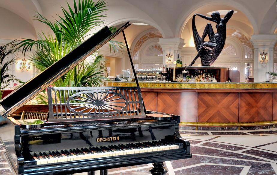 Palm Court Lounge (art) (1)