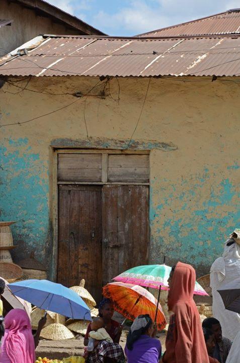 Crowds at Gondar Market
