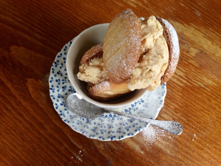 Weekend Bake: Posh Maxibons – Almond Praline & Shortbread Ice CreamSandwiches