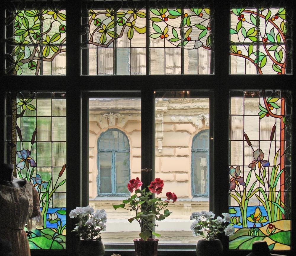 Art Nouveau - Flickr-Jean-Pierre DalbÇra