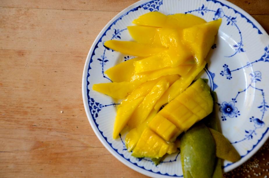 Mango, almond milk quinoa porridge - the edible woman