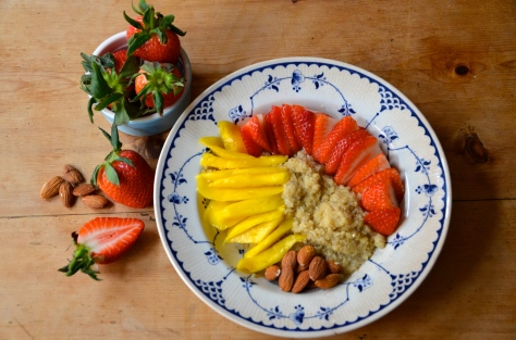 Mango, almond milk quinoa porridge - the edible woman