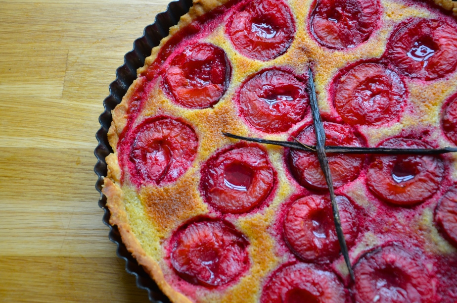 Weekend bake: plum and frangipane tart