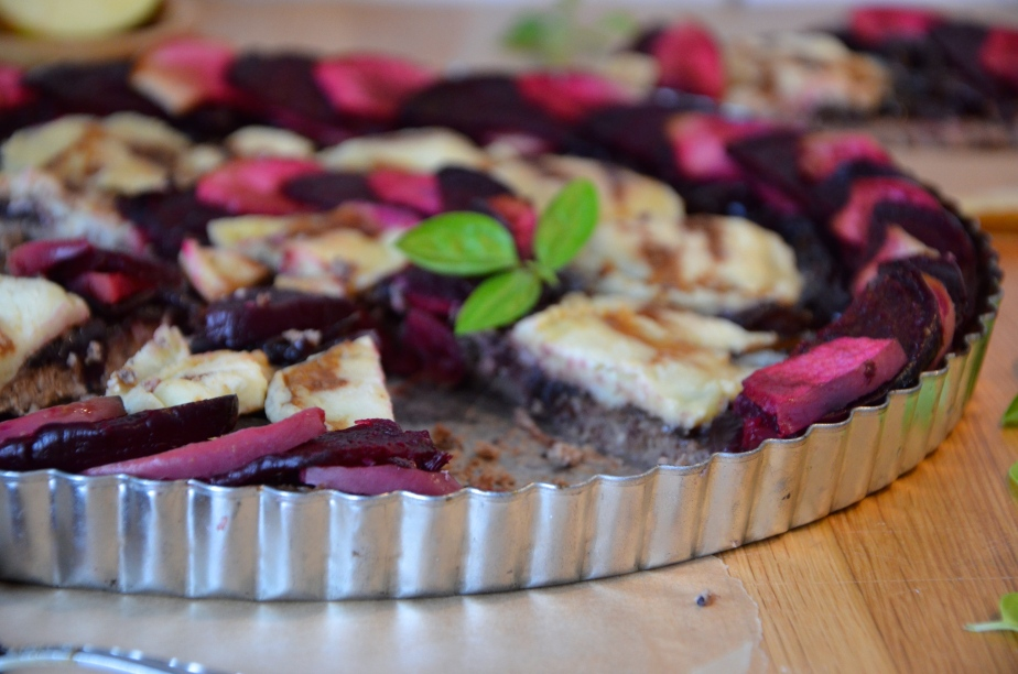 The French goats cheese challenge part 2: Beetroot, apple & French goats cheese tart with a cauliflower, walnut & cumin crust